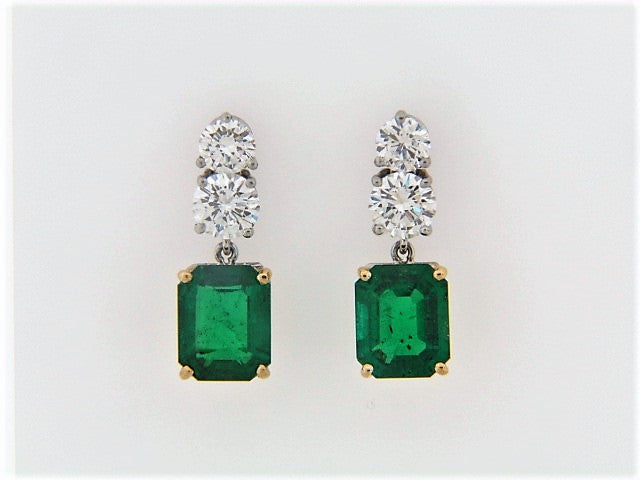 18K-WG EMERALD AND DIAMOND DANGLE EARRINGS