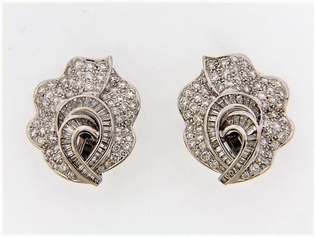 18K-WG DIAMOND EARCLIPS