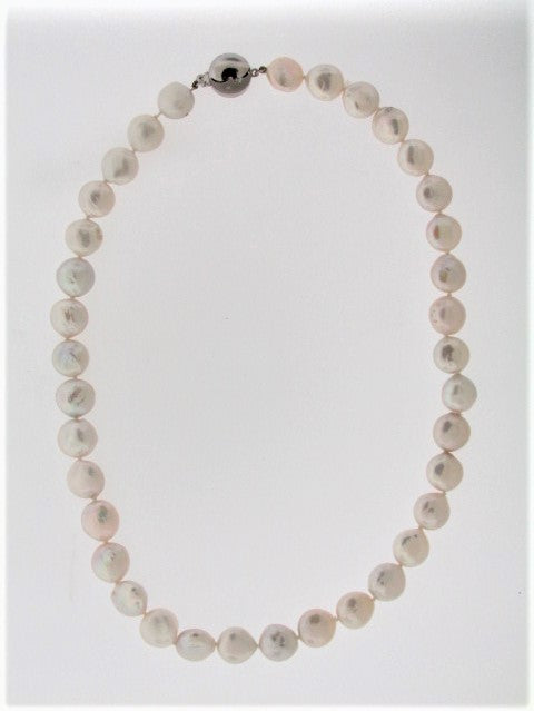 BUTTON PEARL NECKLACE