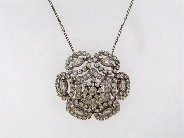 18K-WG DIAMOND PENDANT / BROOCH