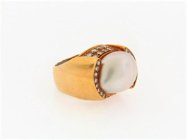 18K-YG BAROQUE PEARL AND DIAMOND RING