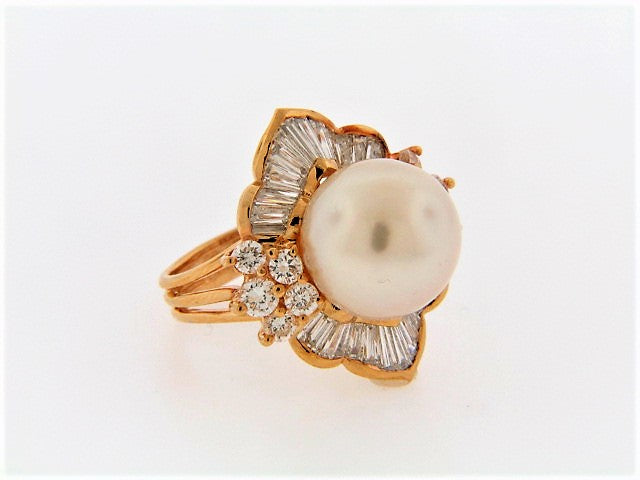 18K-YG PEARL AND DIAMOND RING