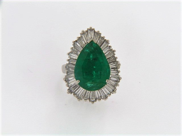 PLATINUM EMERALD AND DIAMOND RING | 18 Karat Appraisers | Beverly Hills, CA | Fine Jewelry