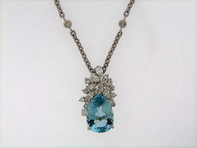 18K-WG AQUAMARINE AND DIAMOND PENDANT
