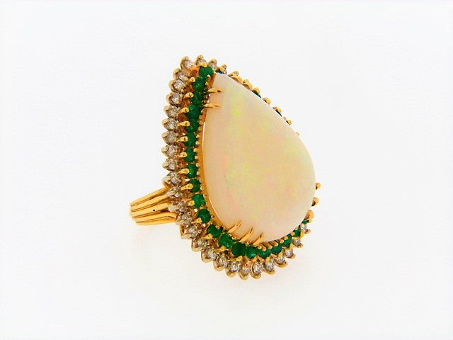 18K-YG WHITE OPAL, DIAMOND, EMERALD RING
