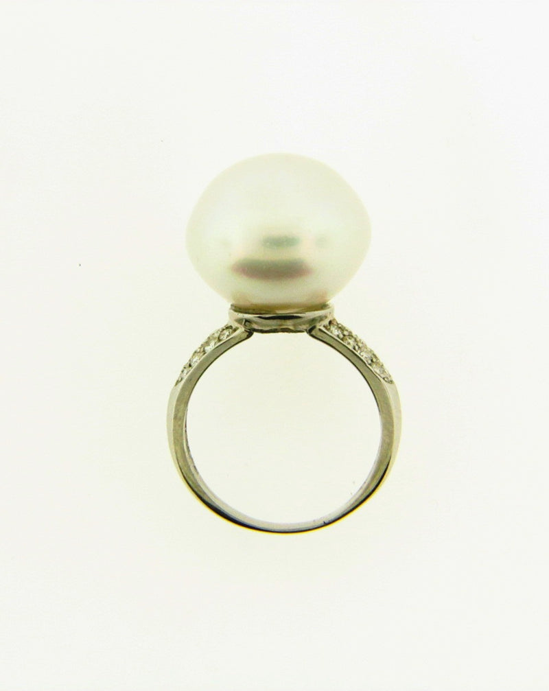 18K White Gold Pearl and Diamond Ring | 18 Karat Appraisers | Beverly Hills, CA | Fine Jewelry