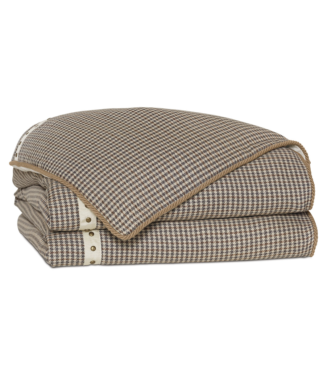Aiden Houndstooth Nailhead Duvet Cover in Beige