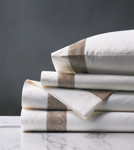 Cornice White/Biscotti Luxury Fine Linen Sheet Set