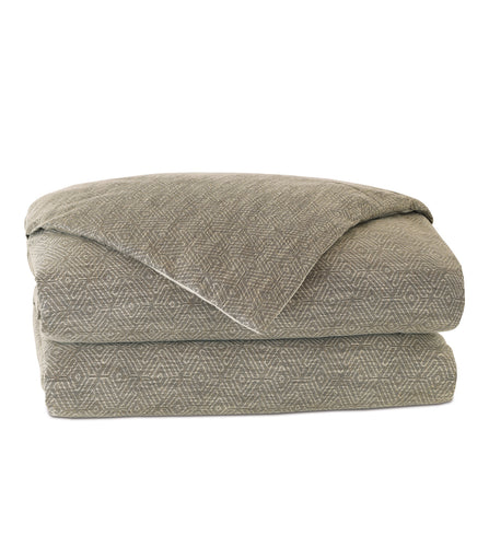 Mountain Resort Tribal Neutral Knife Edge Comforter