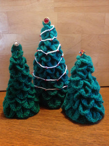 Crocheted Holiday Tree with Garland
