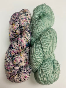Hug Shot Yarn Kit -- Water Green & Double Bass