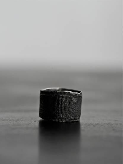Detaj Bandage Ring - Black
