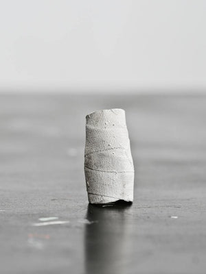 Detaj Long Bandage Ring - White