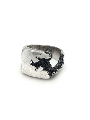 Tobias Wistisen Side Crack Stones Ring