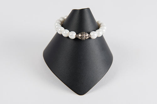 White mother of pearl with rose cut diamond bead