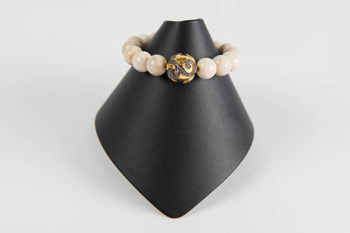Natural agate with white topaz and vermeil bead