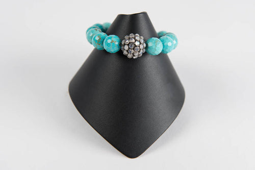 Turquoise with moonstone bead