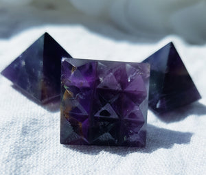 Amethyst Pyramid 9 Point Base