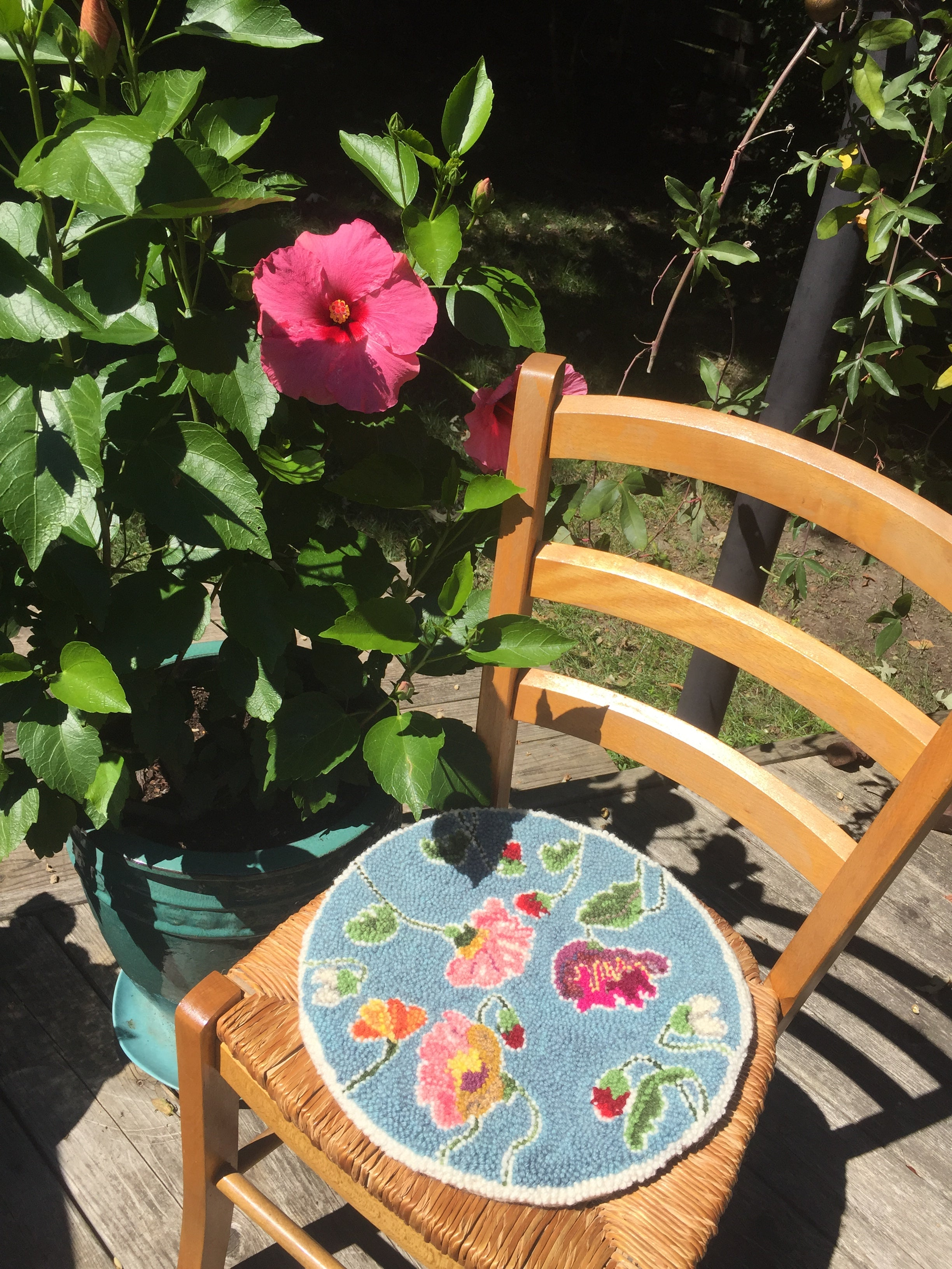 Flowers Chair Pad - Oxford Punch Kit