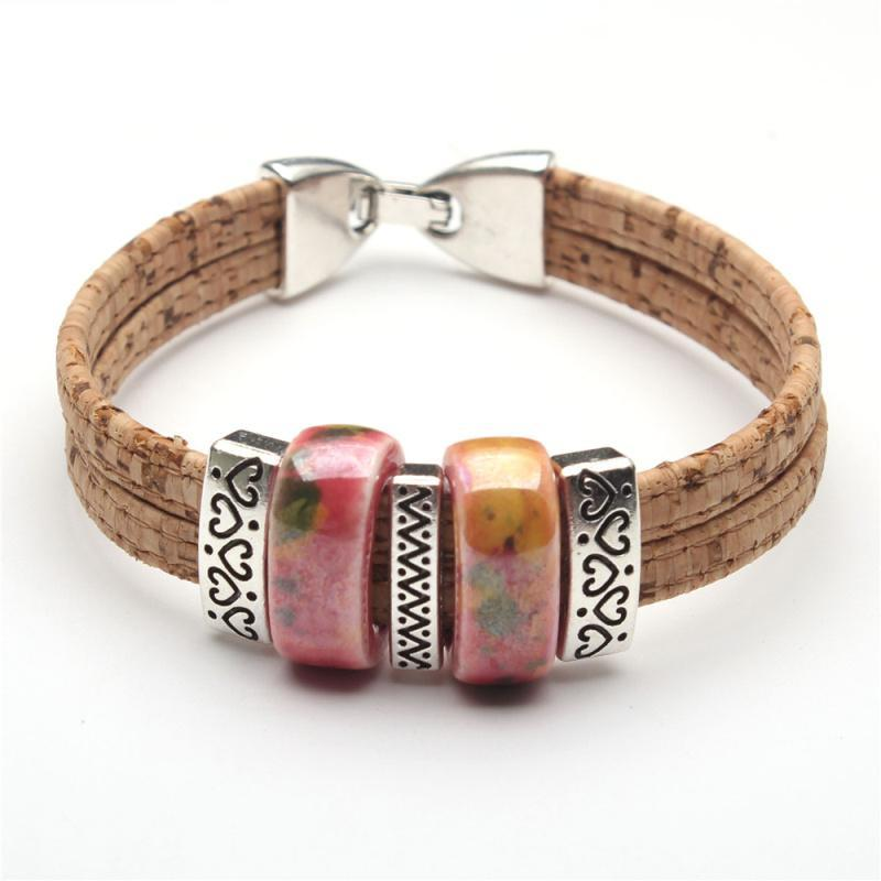 bracelet, Cork bracelet w/ heart details and ceramic pearls - movevegan, vegan fashion product trends, cork, animal free