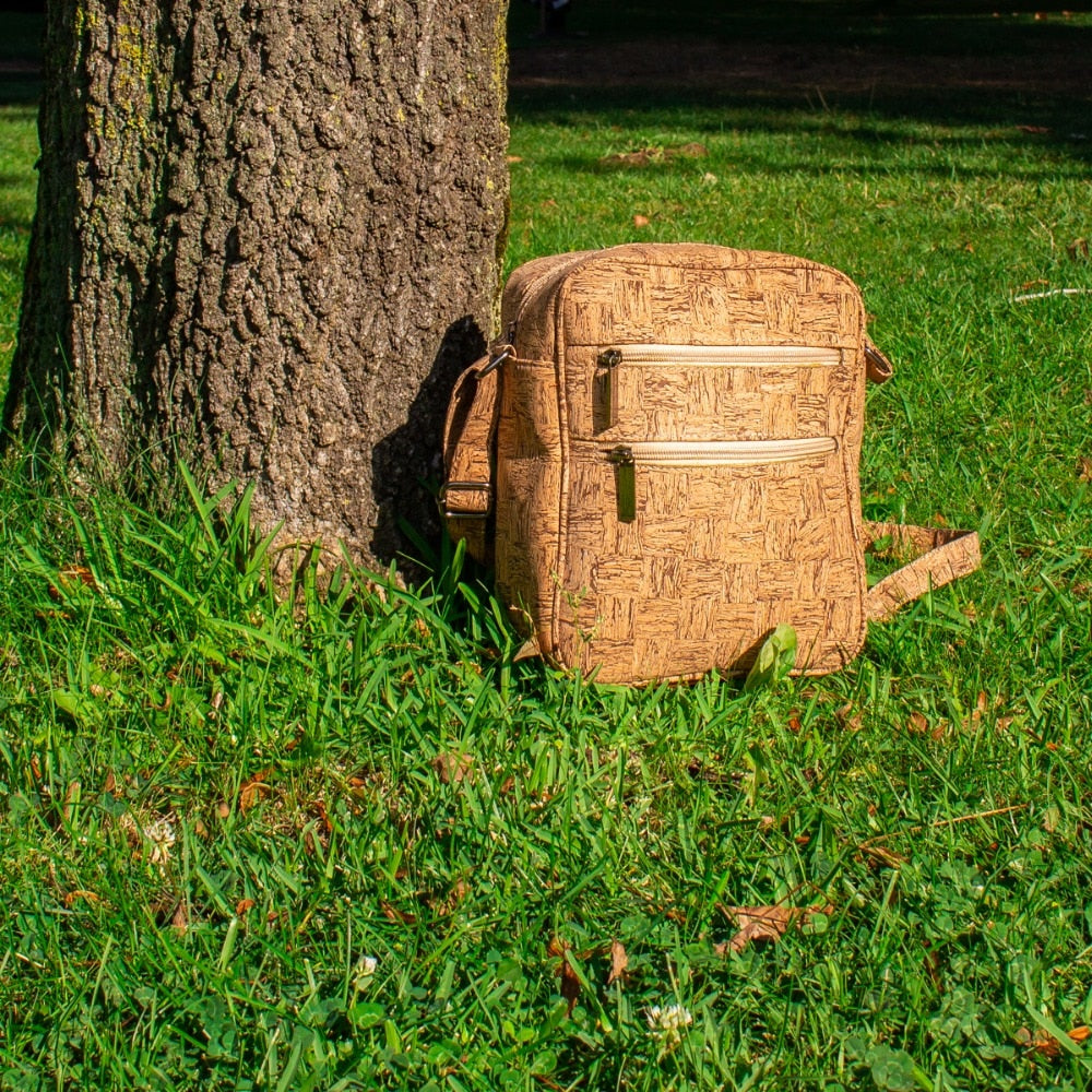 bag, Men Cork Messenger bag - movevegan, vegan fashion product trends, cork, animal free