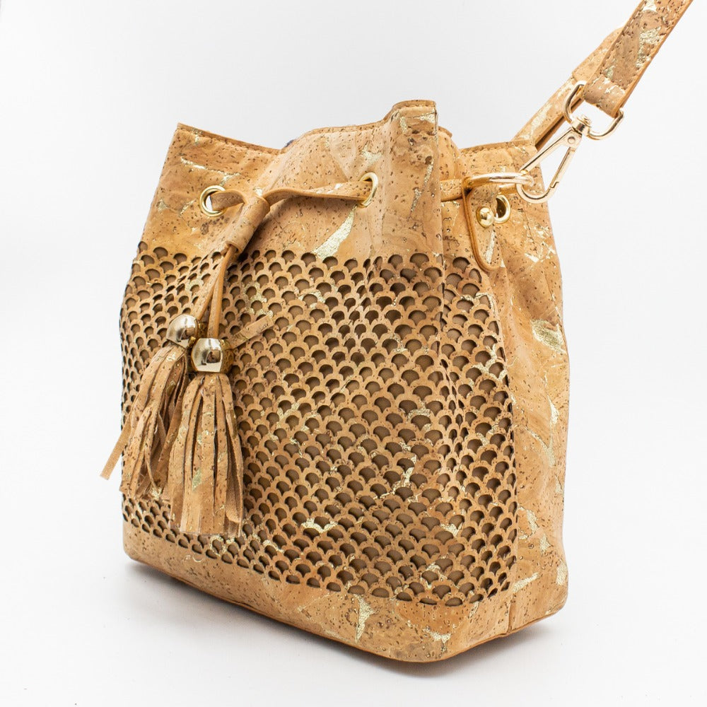handbag, Natural cork leather bucket bag with tassel decoration - movevegan, vegan fashion product trends, cork, animal free
