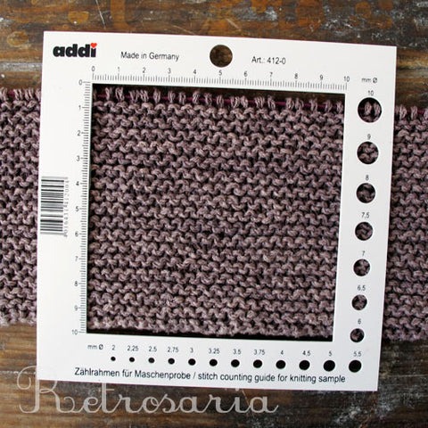 Calibrador de agulhas ADDI Stitch counting guide for knitting sample
