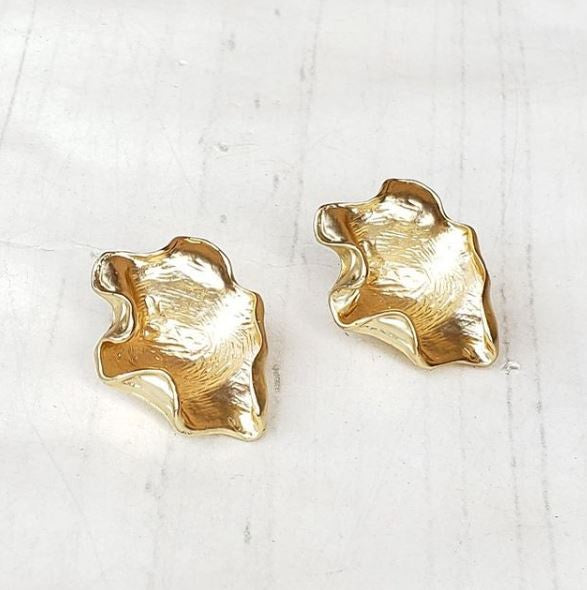 Virtue Jewelry Gold Oyster Shell Earrings | Bella Lucca Boutique