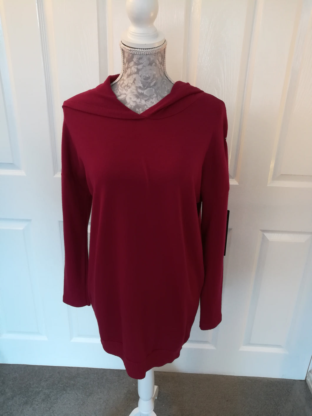 Wine Longline Hoody Knit - one size 10/16 £32