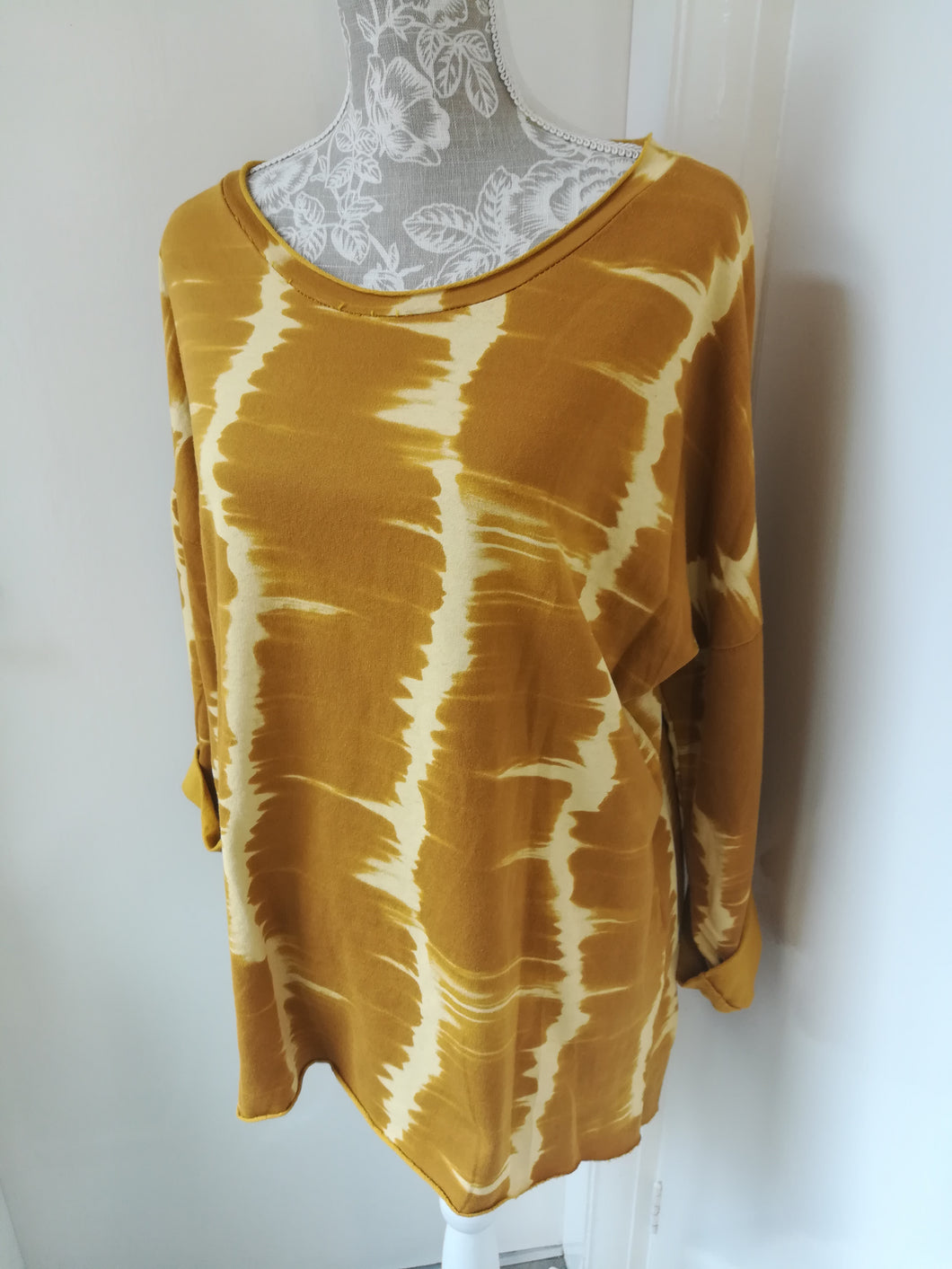 Mustard tye dye sweatshirt top one size 10/16
