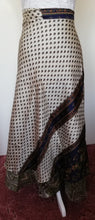 Load image into Gallery viewer, Reversible Sari Skirt - One Size 8/18