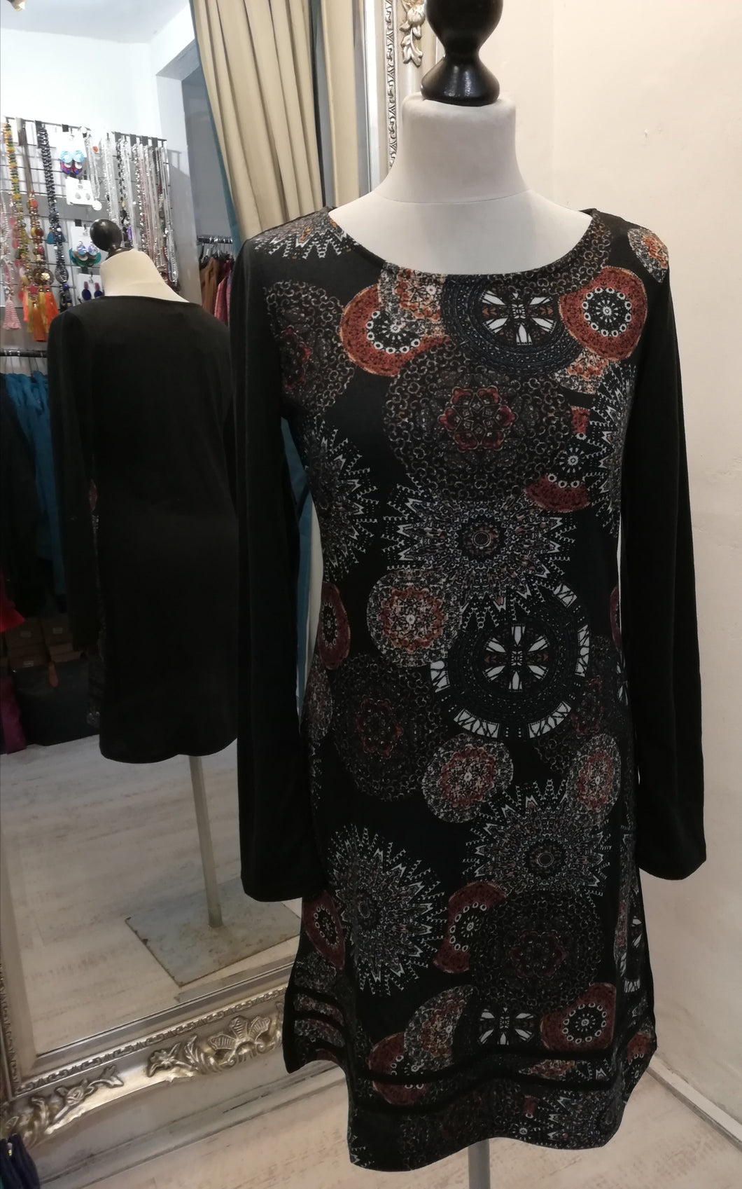 Coline Black Pattern Dress size S (6/8) NO RETURN