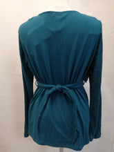 Load image into Gallery viewer, Coline Green Cross over Top size M (10)