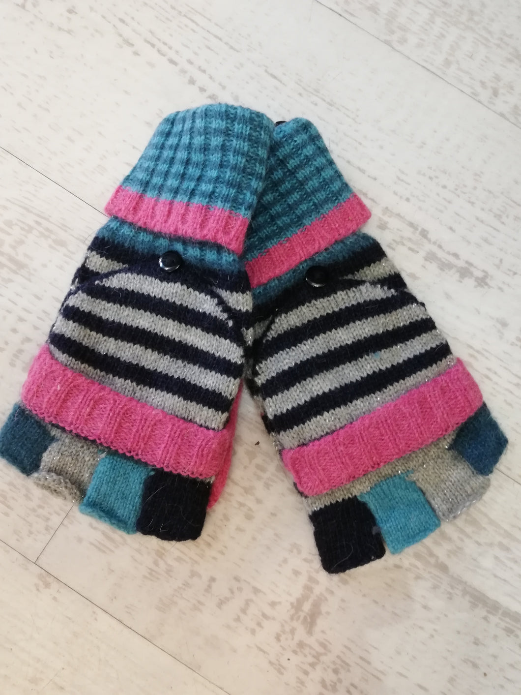 Mitten/Gloves with finger cover