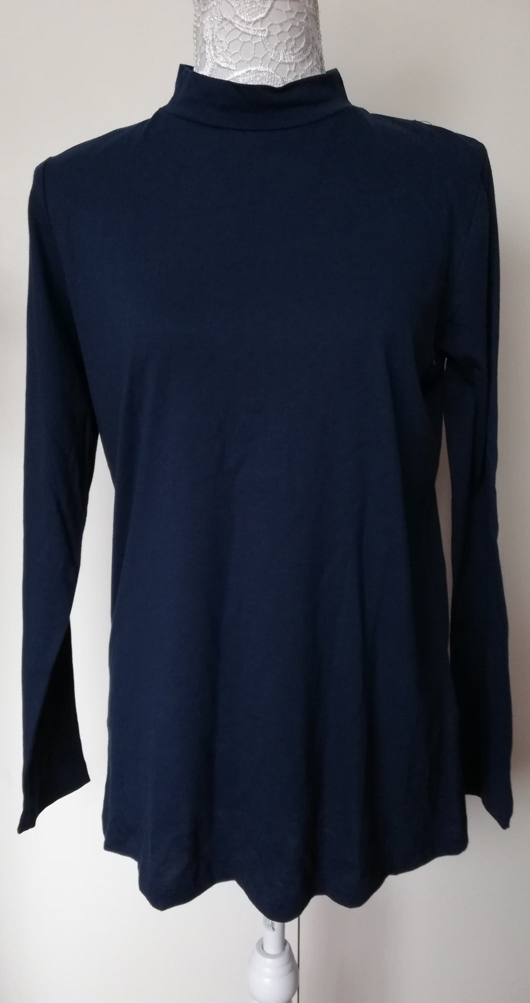 Lily & me navy turtle neck top size 10 NO RETURN