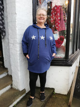 Load image into Gallery viewer, Longline star hoodie with side pockets on size 16-18