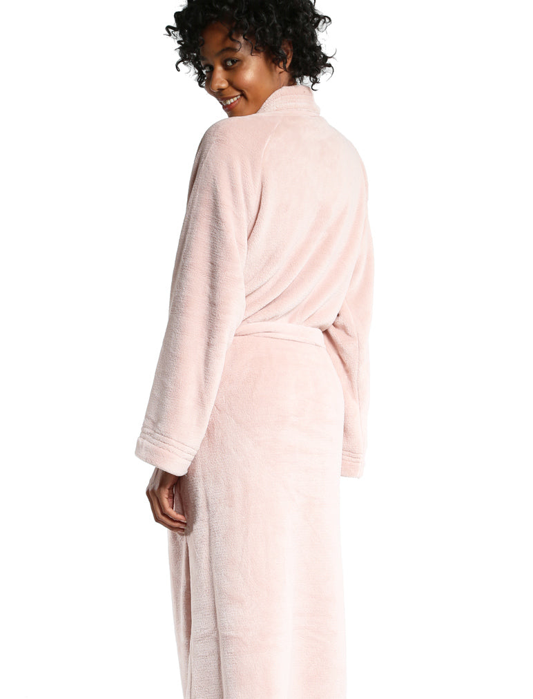 0448868c8d Long Plush Robe in Light Pink