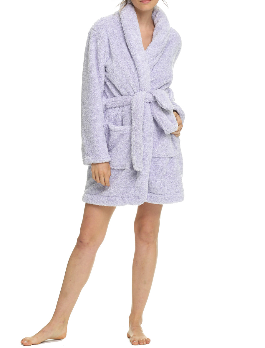 Short Plush Robe in Lilac