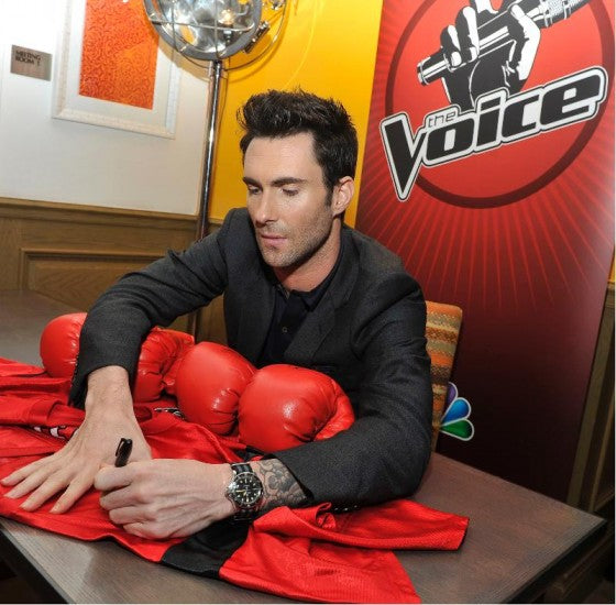 Left Handed Celebrities | Adam Levine