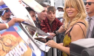Left Handed Celebrities | Goldie Hawn