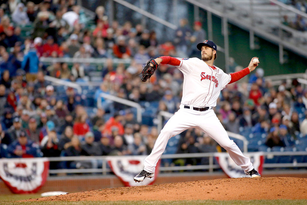Pomeranz pitches Portland to home win