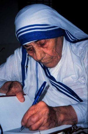 Mother Teresa | Saint Teresa of Calcutta was Left Handed