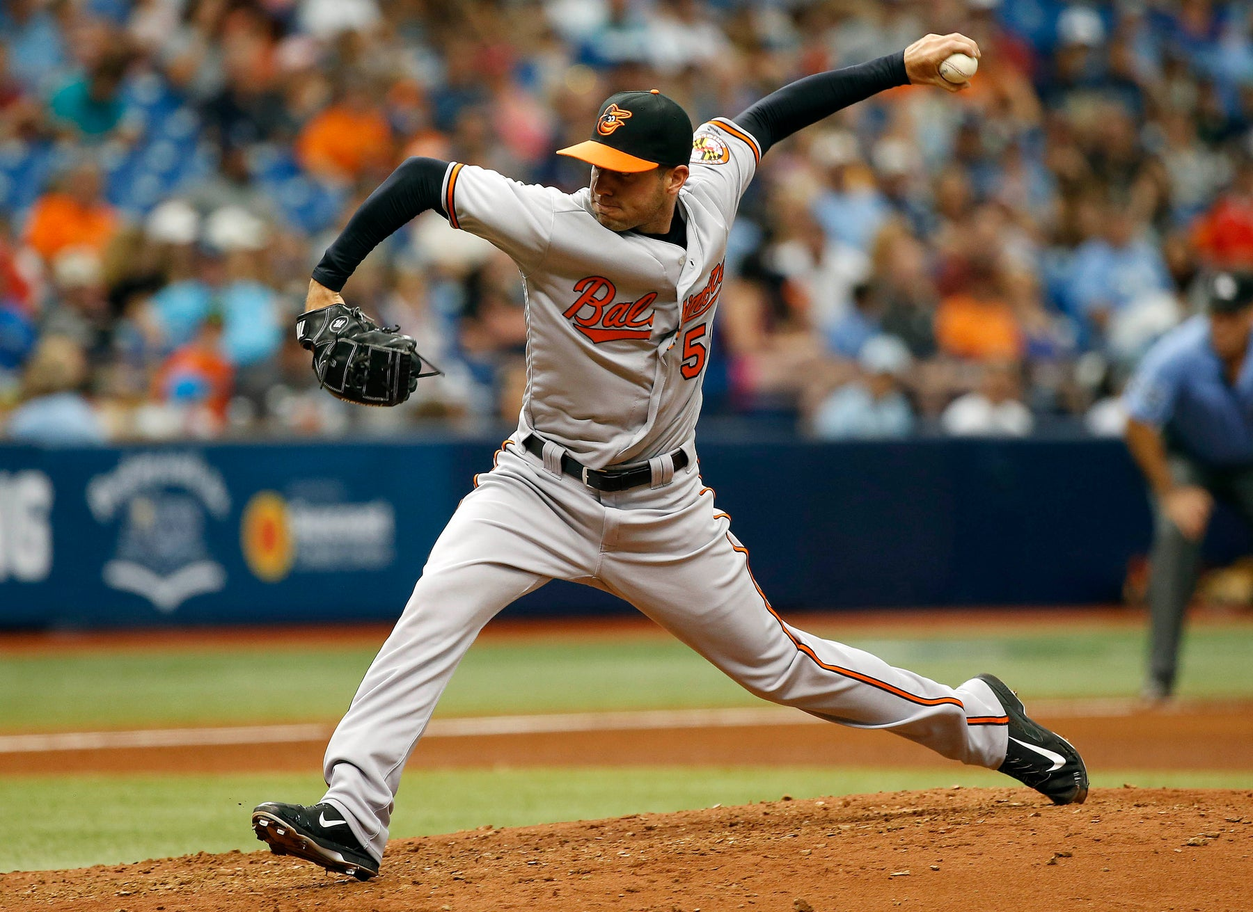 Orioles add lefty relief reinforcements by recalling Donnie Hart from Norfolk