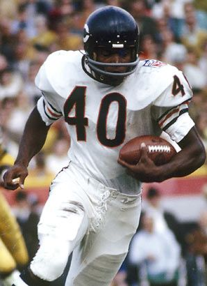 Gale Sayers left handed football player