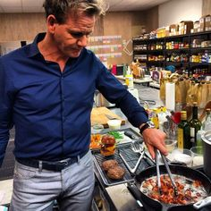 Gordon Ramsey | Left Handed