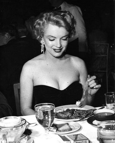 Famous Left Handed Celebrities | Marilyn Monroe | Lefties Only
