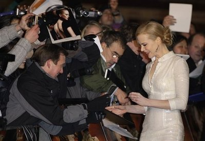 Famous Left Handed Celebrities | Nicole Kidman | Lefties Only