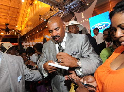 Steve Harvey Left Handed