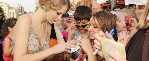 Taylor Swift Right Handed
