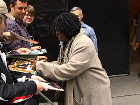 Whoopi Goldberg | left handed celebrity